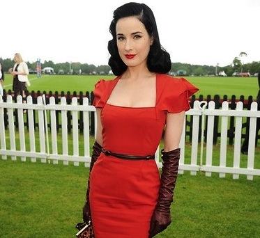 Red dress gala xy