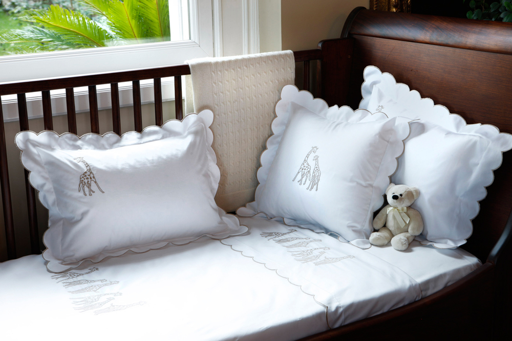 Haremlique Istanbul- Giraffe Egyptian Cotton Percale design scallop embroidery. Find in our shop.