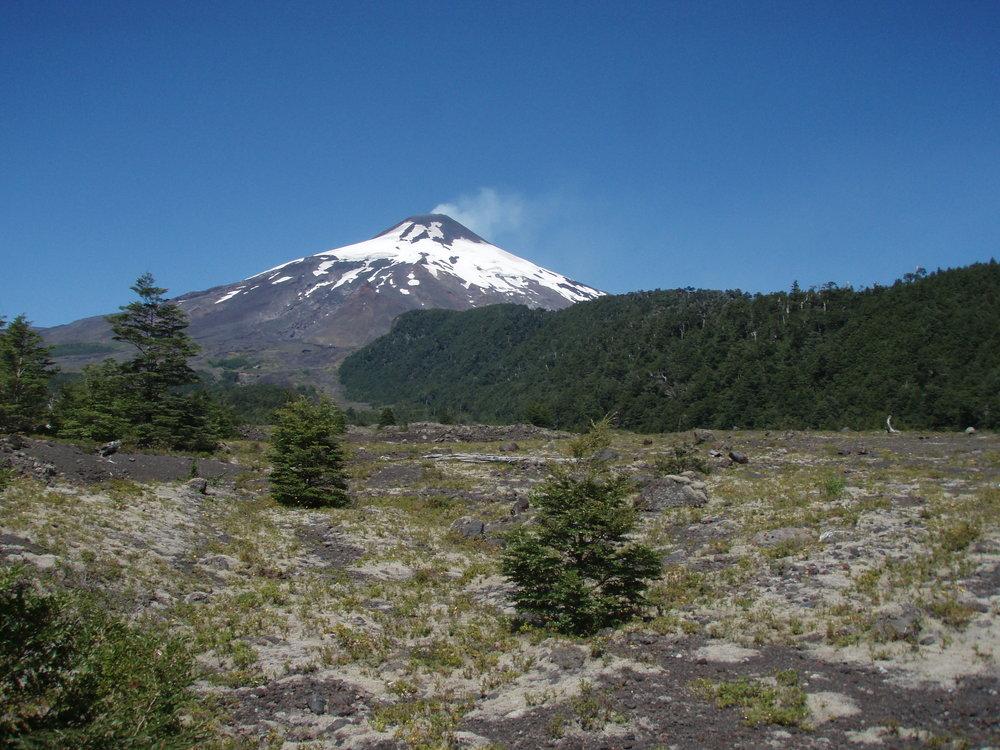 Villarrica Volcano, Chile - MTU seismo-acoustic field campaign - March 2011