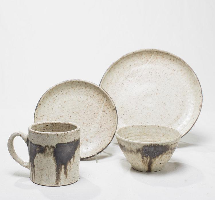 luna-collection-gina-desantis-ceramics-plates-cups.jpg