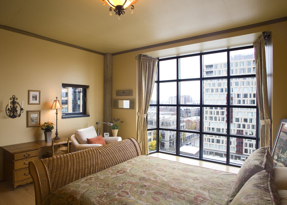 bedroom_crop.jpg