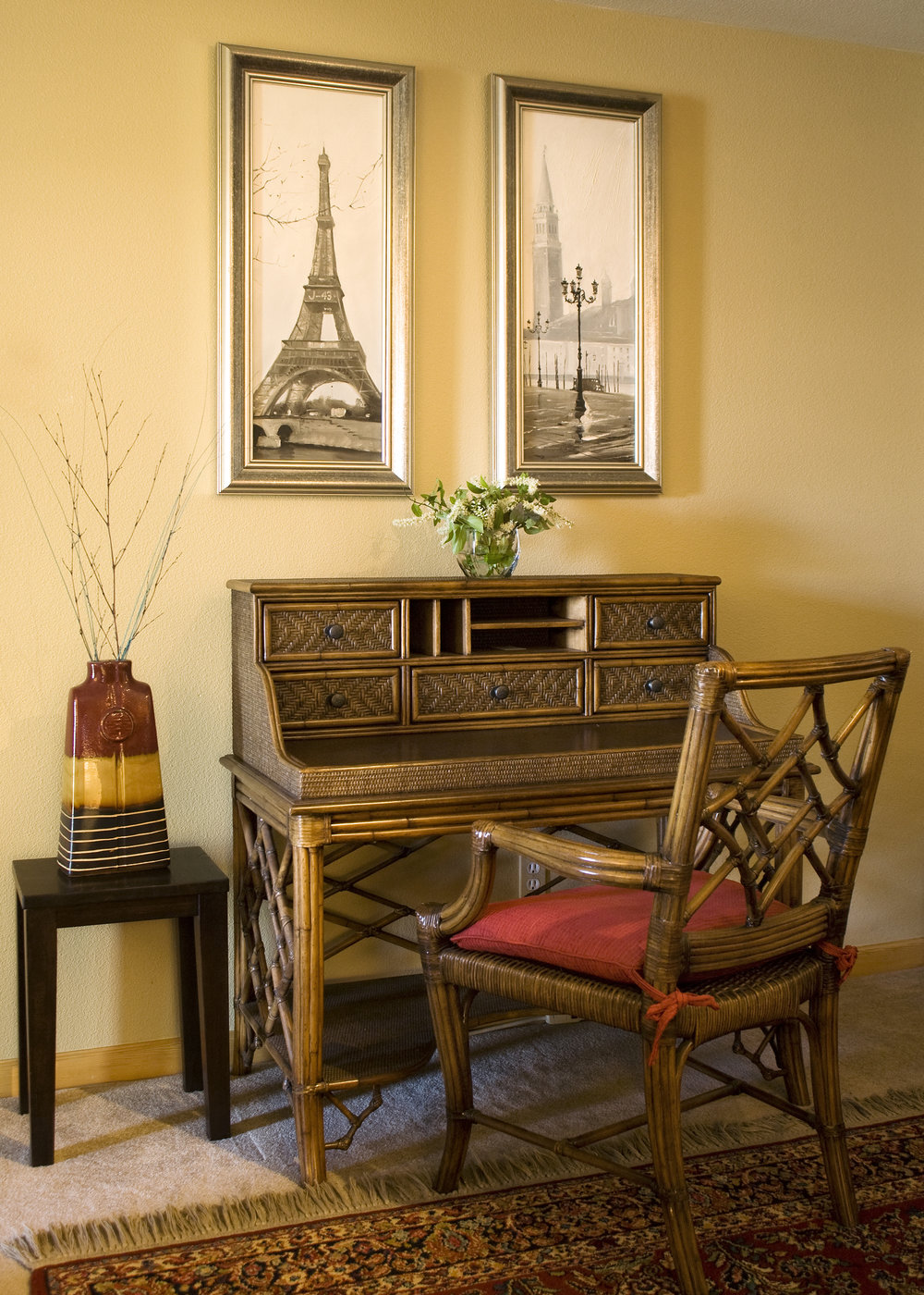 desk_high_crop.jpg