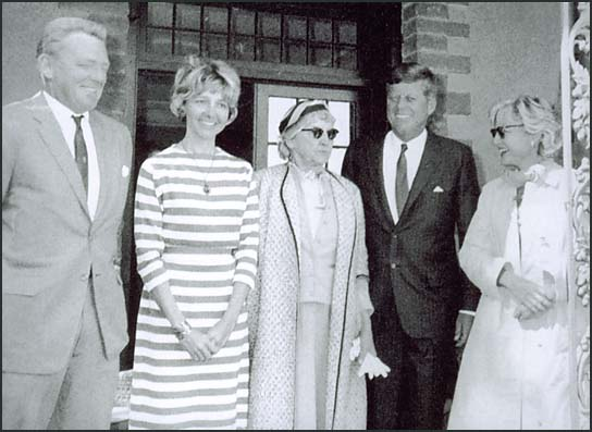 Mary Pinchot Meyer with JFK