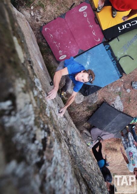 a professional climber in oman and his trusty black batik ENso headband