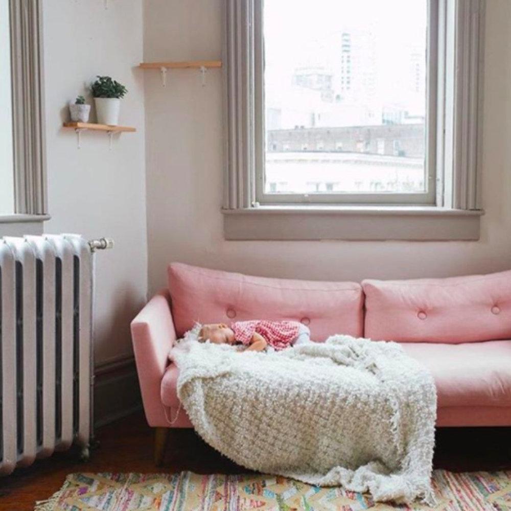 17.12_kooshoo_kids_pants_couch.jpg