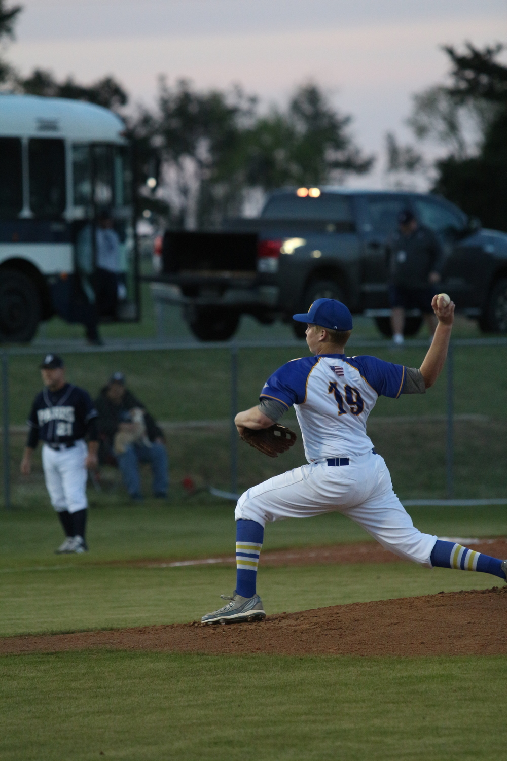 (Photo by Bill Higgins) Ty Jones pitching against Paris High Friday Night.