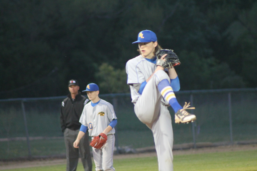 Jake Wynn about to deliver a pitch against Paris High Tuesday night.