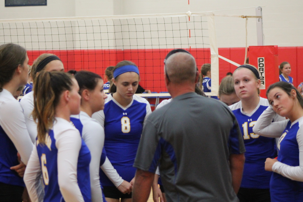 Jimmy Fendley talking to the JV team prior to a match against Sulphur Springs.