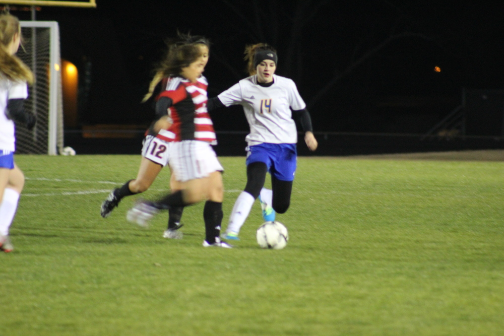 Mara Mabry Pushes Past Two Opponents