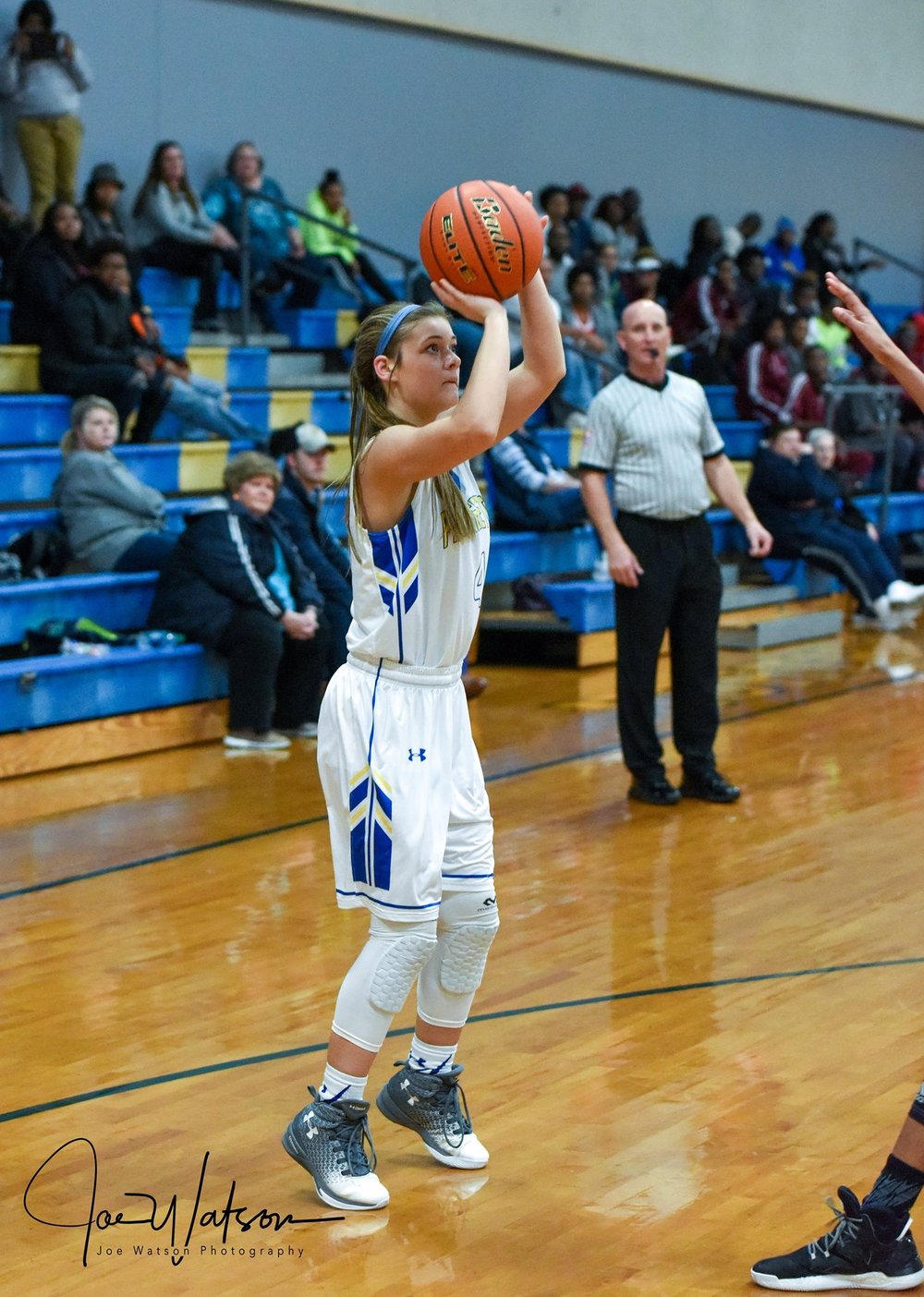 (Photo by Joe Watson) Emma Stewart taking a shot against LE on Friday night.