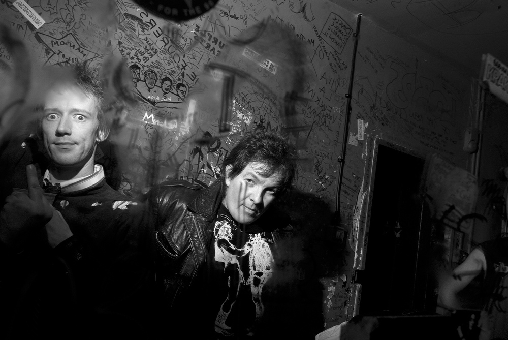 Backstage with The Sex Pistols Experience at The 100 Club