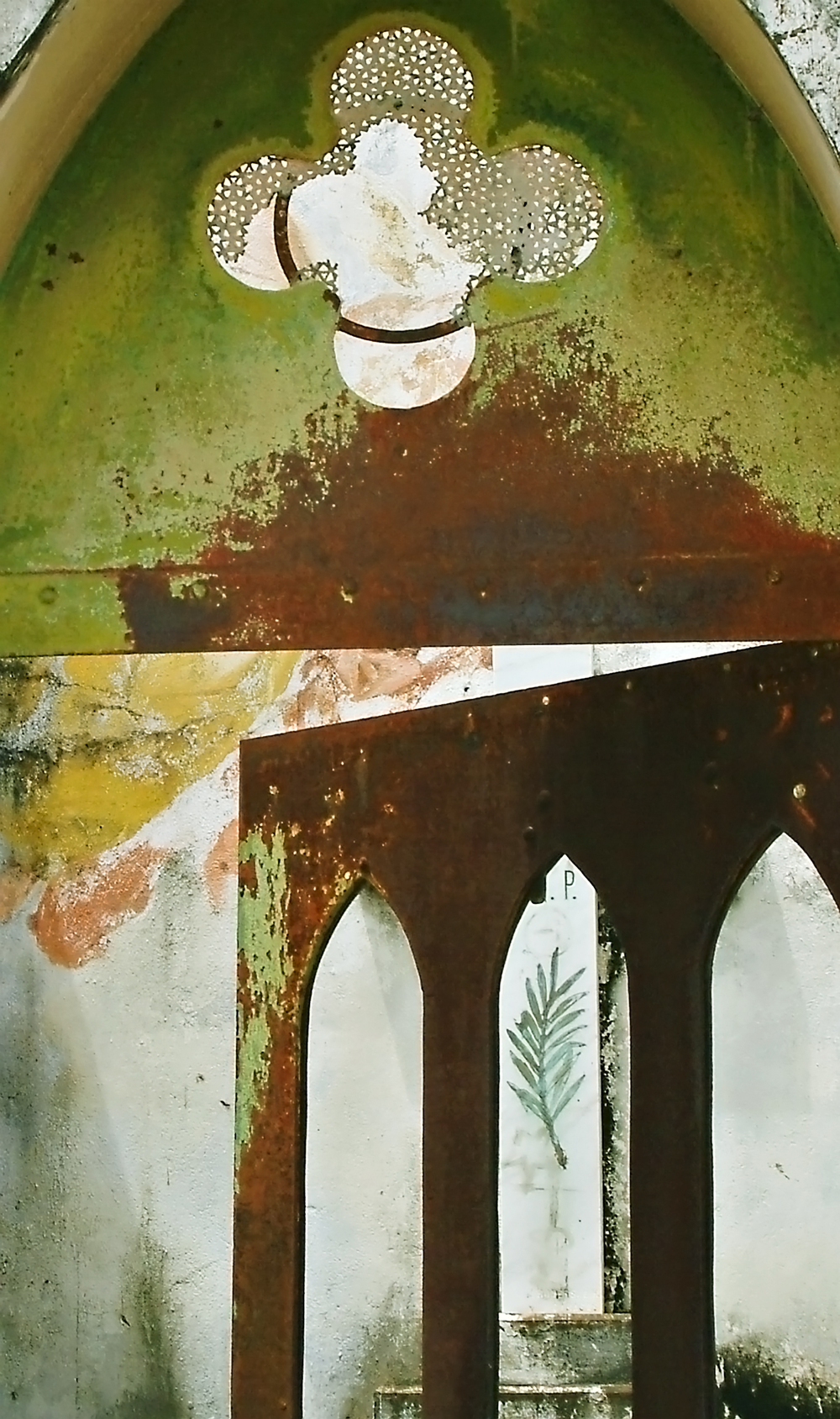 interior crypt Trinidad 05 3.jpg