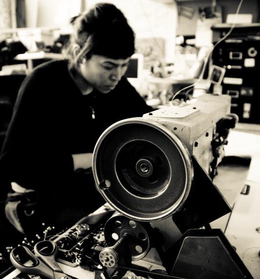 Ellie-Lum-Industrial-Sewing-Bag-Maker