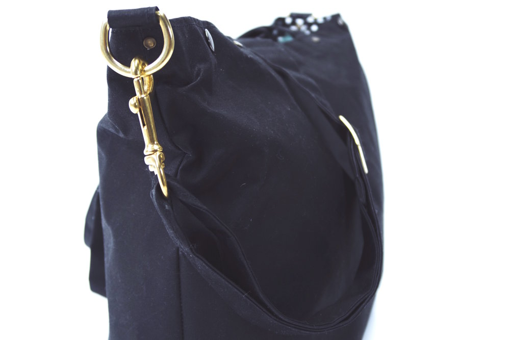 BLACK-BRASS-WAXED-CANVAS-MCKENNA-TOTE-4.JPG
