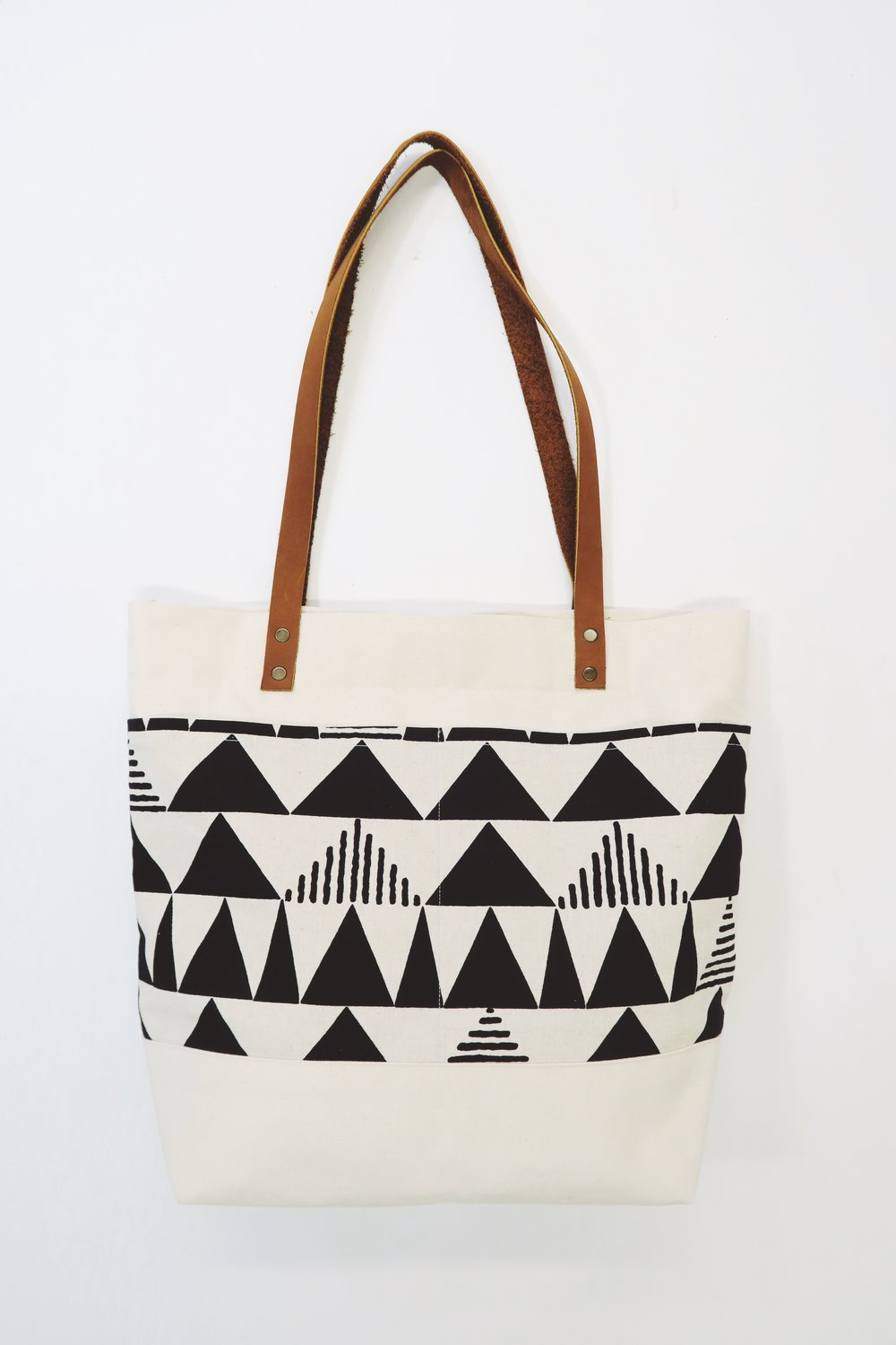 Canvas_Leather_Market_Tote_Full.JPG
