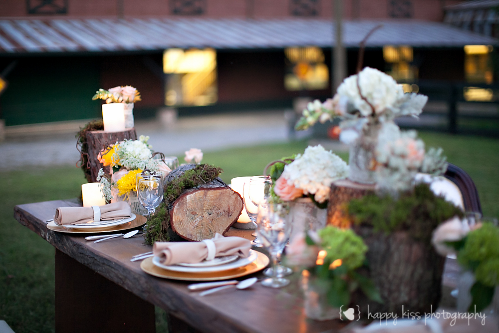 Creme de le Chic Events, Happy Kiss Photography, Atlanta GA #cremedelechic #atlantawedding #rusticwedding