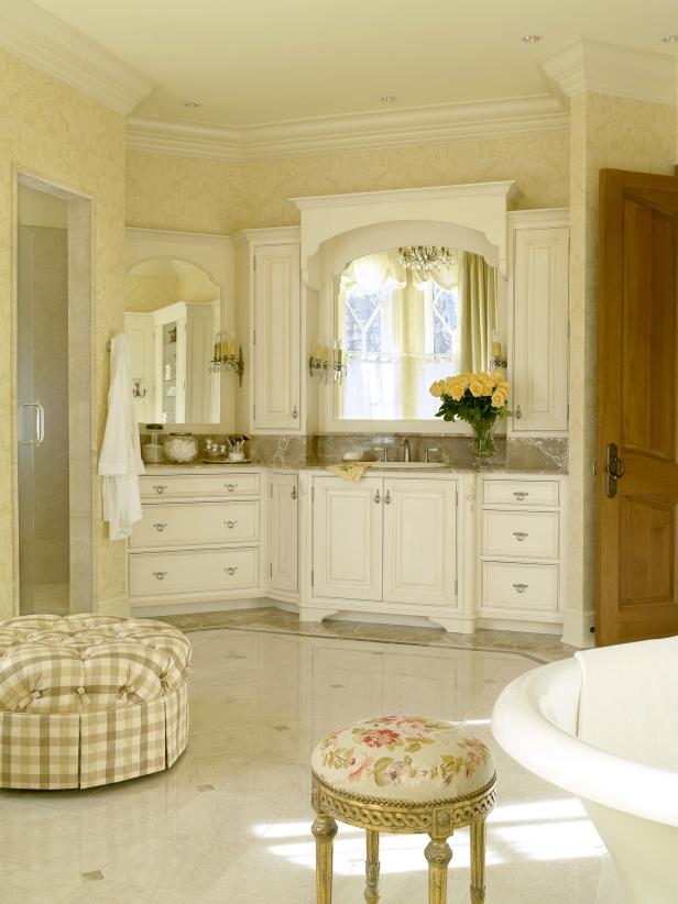 DP_Howard-french-bathroom_s3x4.jpg.rend.hgtvcom.616.822.jpeg