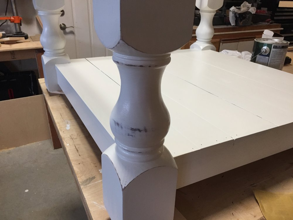 Sanded coffee table leg white and dark brown