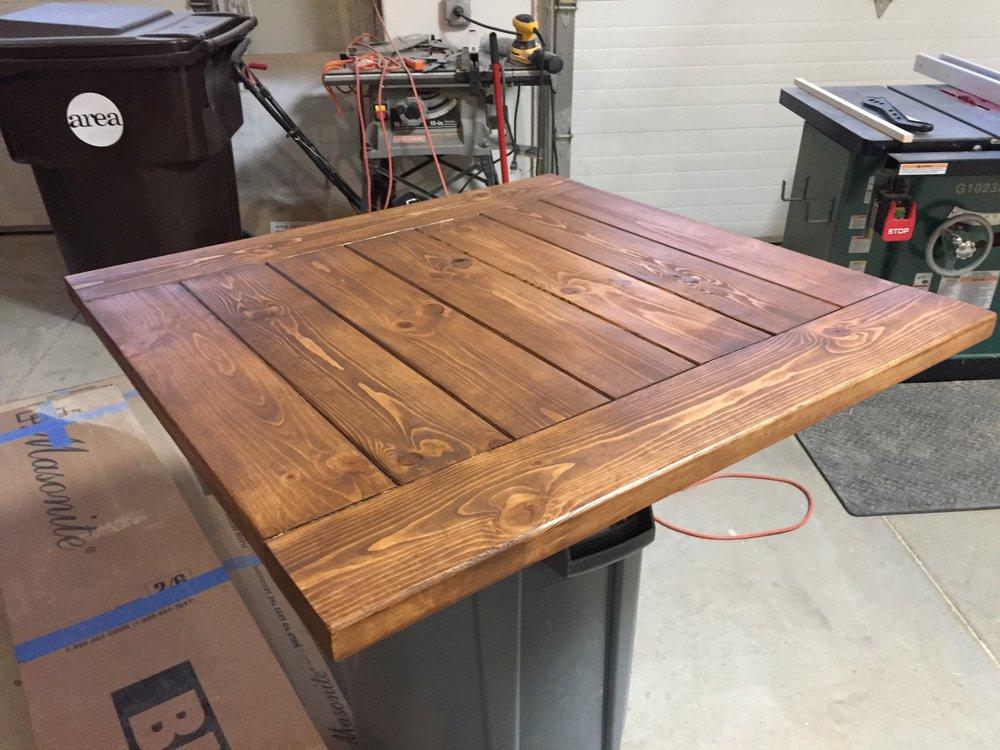 Early American Stain on the Farmhouse Coffee Table Top