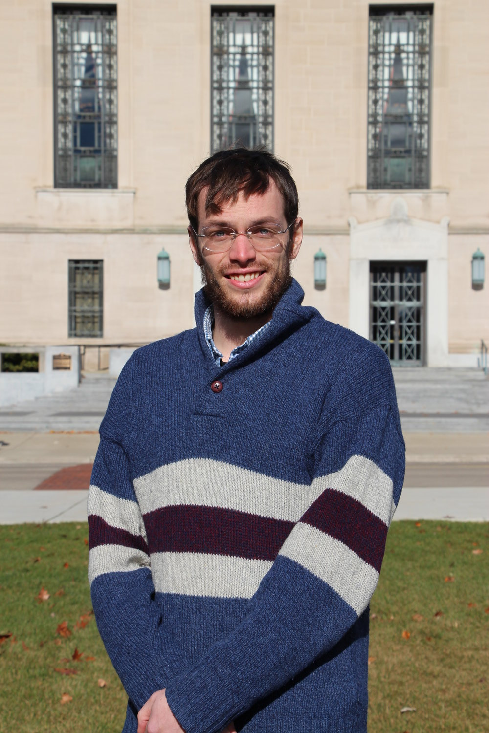 Thomas Shaw Applied Physics Graduate Student Thomas joined the Veatch lab in January 2016, and is studying the regulation of ion channel dynamics by critical membrane lipids, using a variety of techniques including localization microscopy. He is also working on improving data analysis methods for localization microscopy. Outside the lab, he enjoys baking for friends, and learning about language and linguistics, among other things.