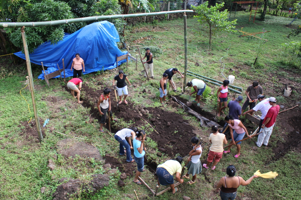 02 Volunteers digging trenches .JPG