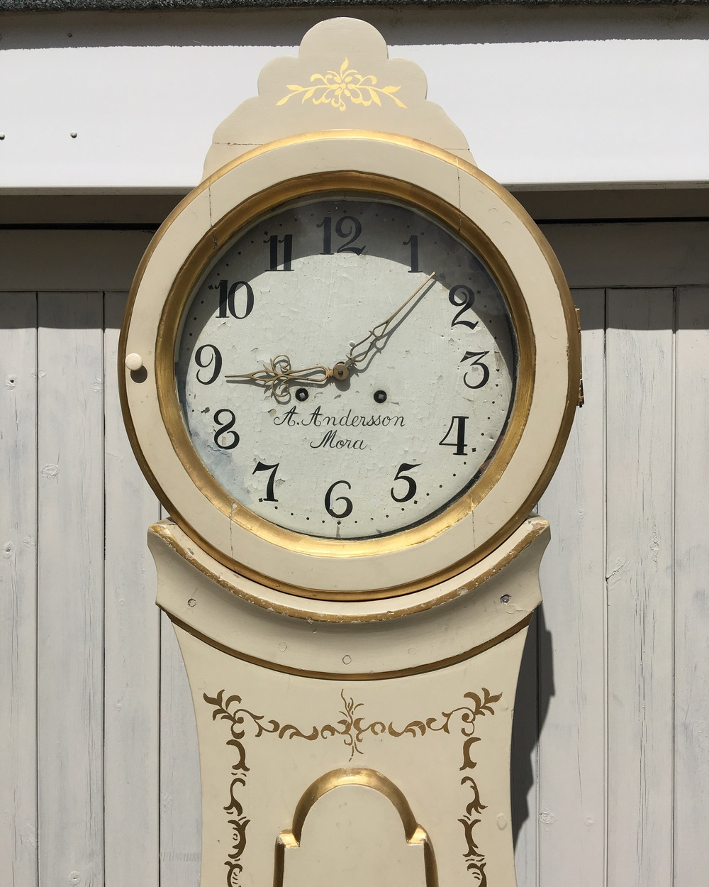 "The middle clock is dated to ""1831"""