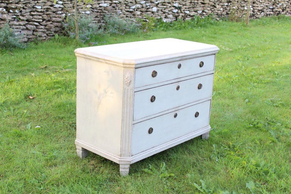 Single chest of drawers , plain top