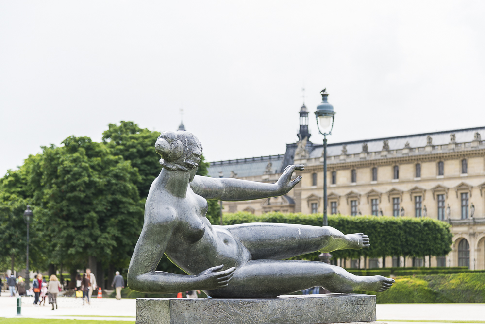Sculpture in Jardin des Tuileries.