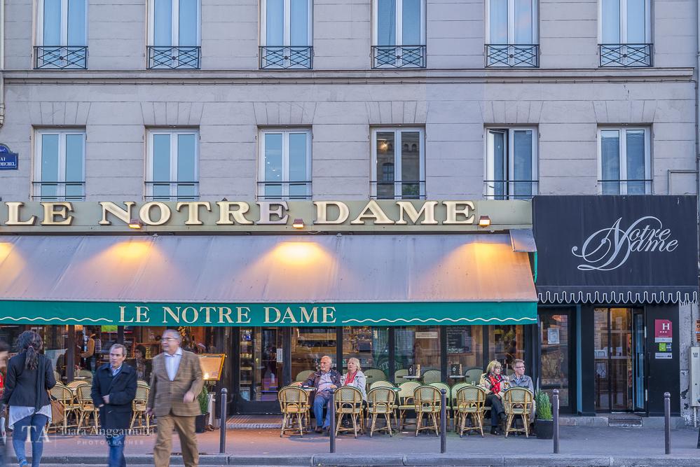 Le Notre Dame cafe.