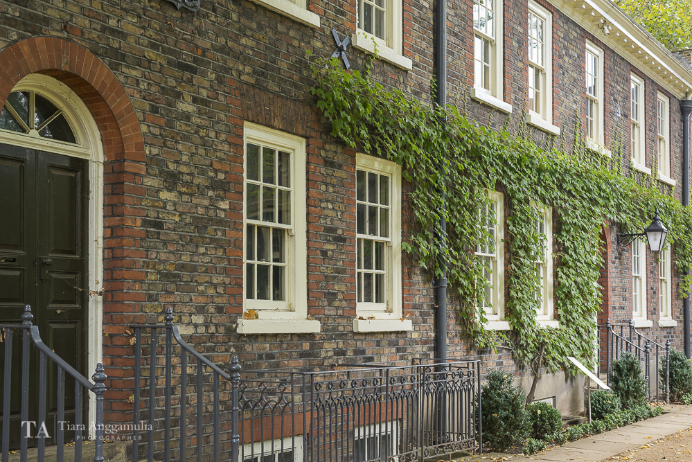 Exterior view of Geffrye Museum.