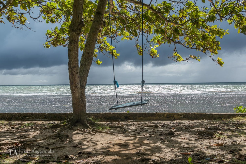 A swing on Anyer beach.
