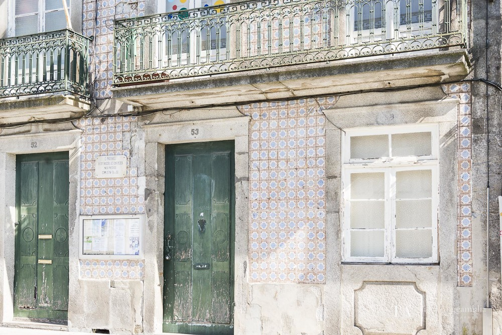 A facade in Porto.