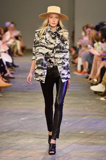 7985_fs.lalaberlin.0.ss-2014_fashion-week-berlin_de_lala-berlin_361271_fashionshow_article_portrait.jpg