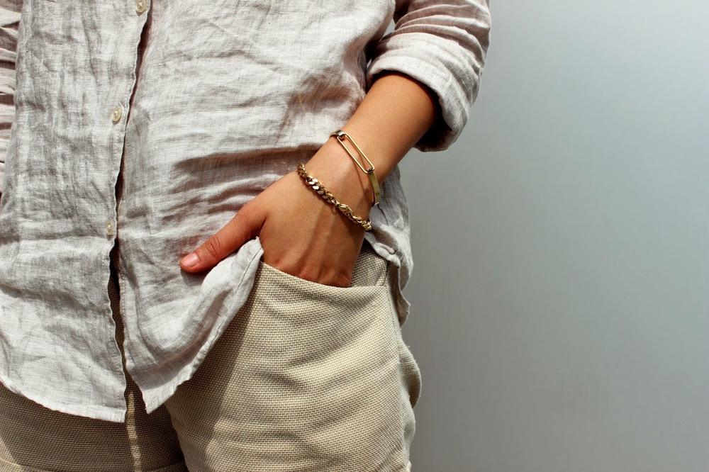 UniqLo Linen Blouse, Vintage Shorts, Nike SB,  Snash Jewelry
