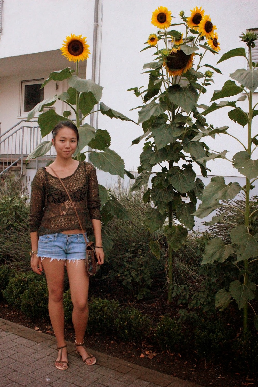 Second Hand Shirt, Sandals & Handbag  DIY Jeans Shorts, H&M Bra