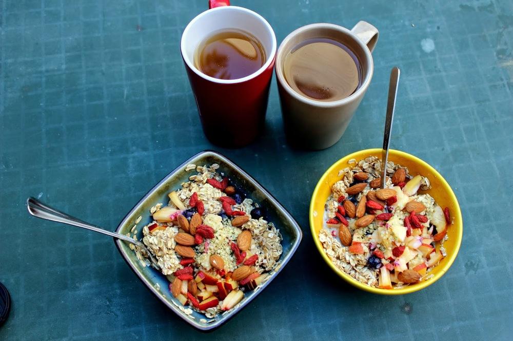 breakfast%2Boutside.JPG
