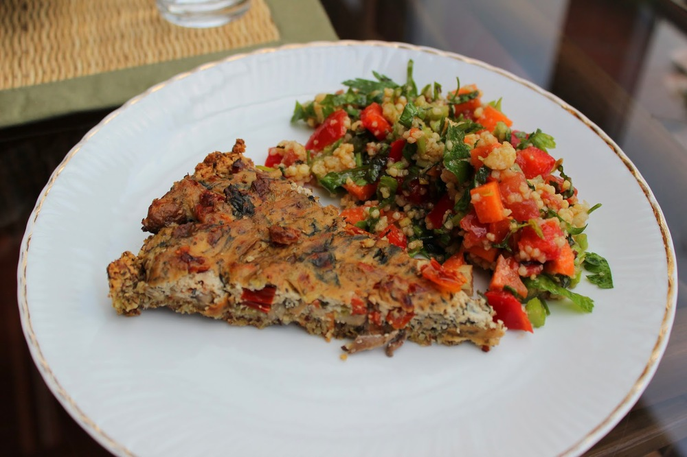 goldtogreen_vegan_spinach_tomatoe_mushroom_quiche_11.JPG