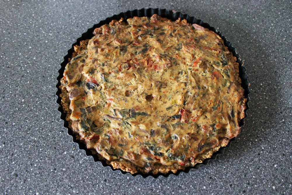 goldtogreen_vegan_spinach_tomatoe_mushroom_quiche_10.JPG