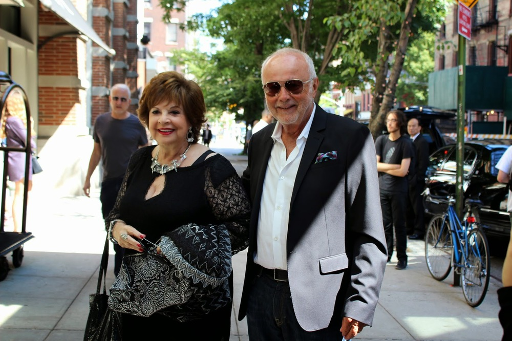 Such a cute couple! Leslie & Ron Rosenzweig, Rachel Zoe's parents.