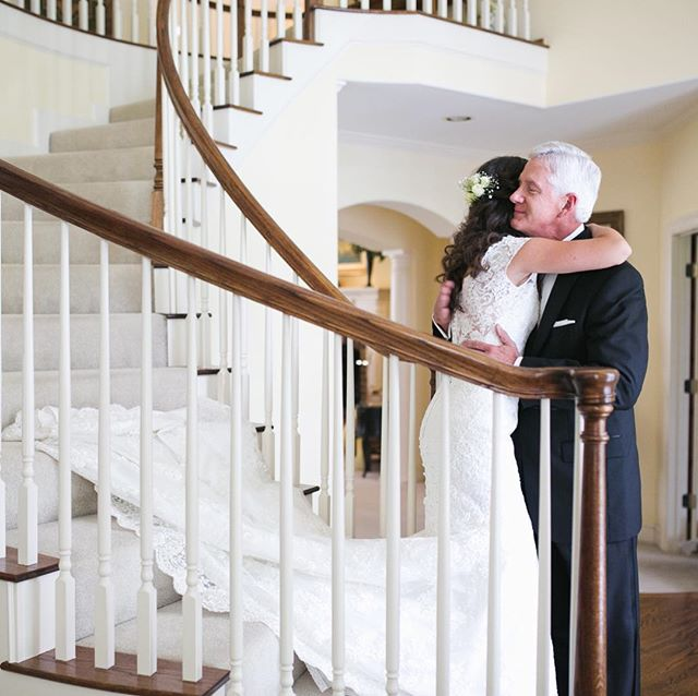 Always a fan of a good ol' father of the bride staircase pic.