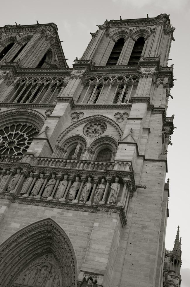 commenter >  Cathédrale Notre-Dame de Paris < comment