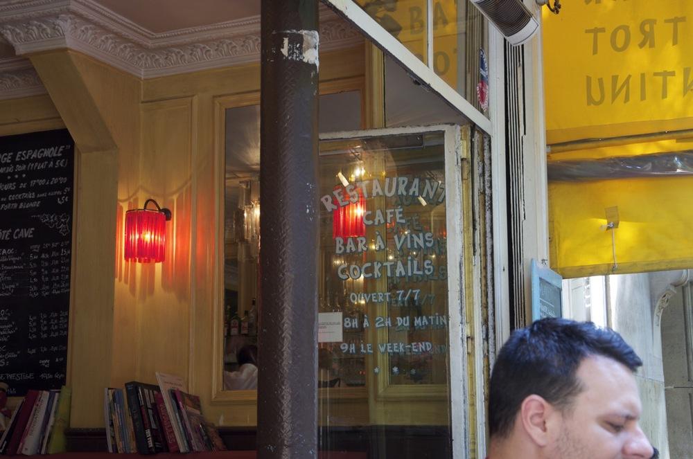 commenter > Café de la rue Caulincourt, 2/2 < comment