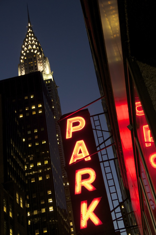 commenter >  Glaring Park Sign, East 43rd Street  < comment