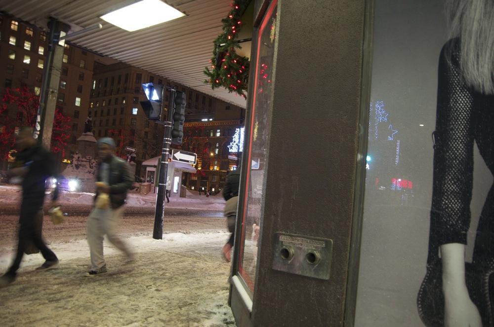 Soirée de décembre, rue Ste-Catherine Ouest