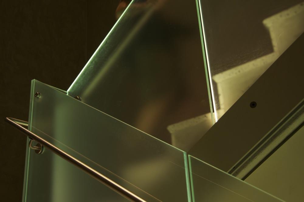 commenter >  Musée des Beaux Arts (escalier)  < comment