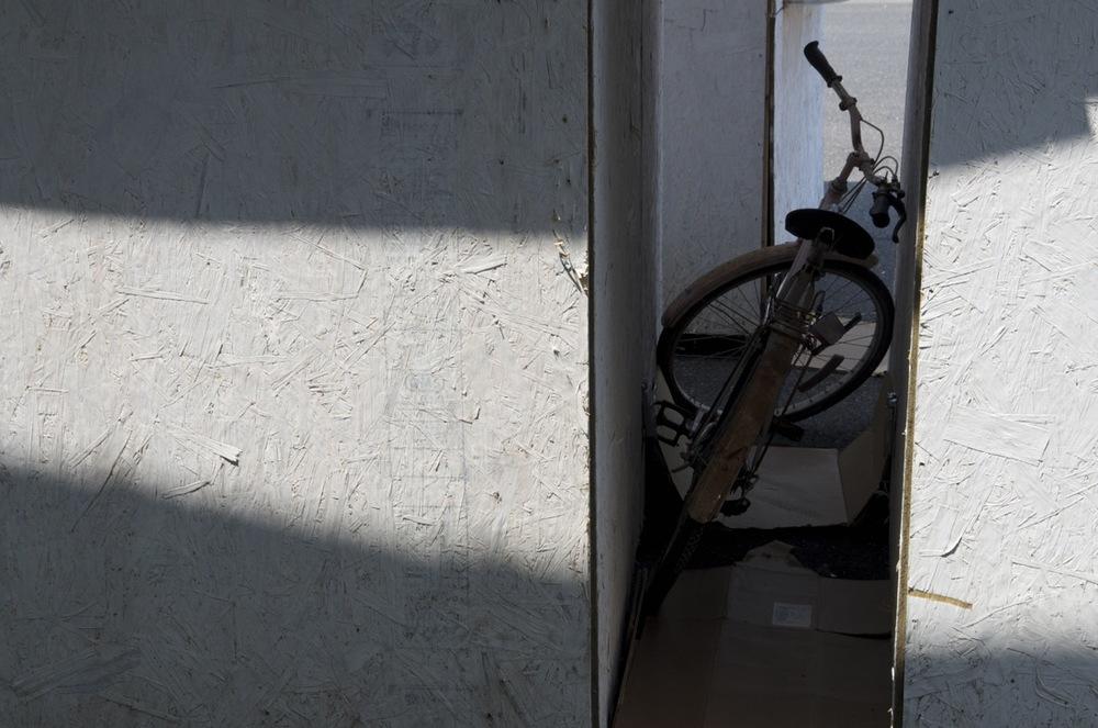 commenter >  Derrière le Marché Maisonneuve (la bicyclette oubliée)  < comment