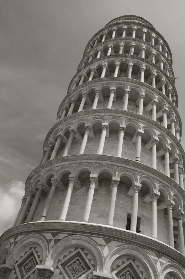 commenter >  La torre da Pisa  < comment