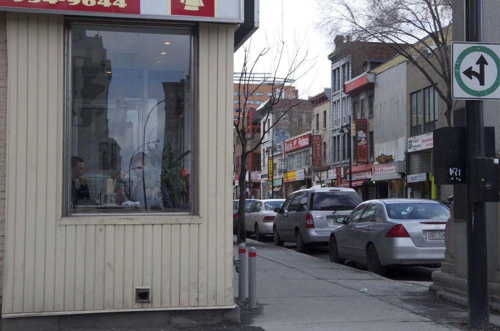 commenter > Boulevard St-Laurent et rue Viger (restaurant) < comment