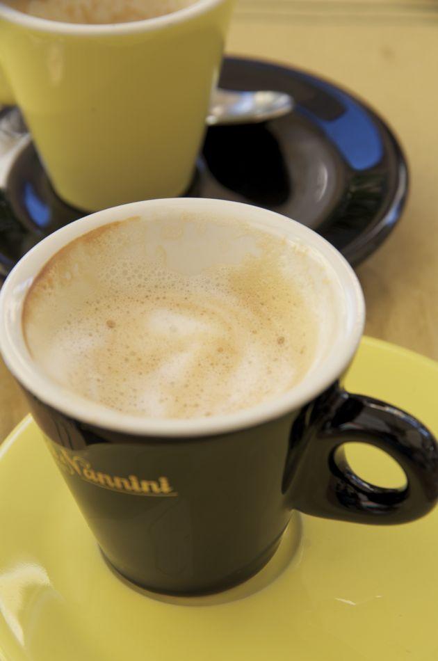 commenter > Al caffe' Miami, Via Giosué Carducci (due macchiati) < comment