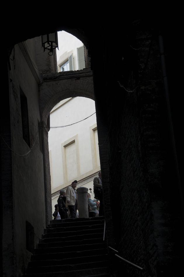 commenter >  Alla cima dei gradini della Via Franciosa < comment
